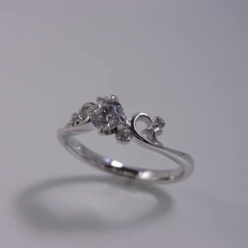 ケルヒ・エンゲージリング、婚約指輪 「parterre(パルテール)」の紹介。