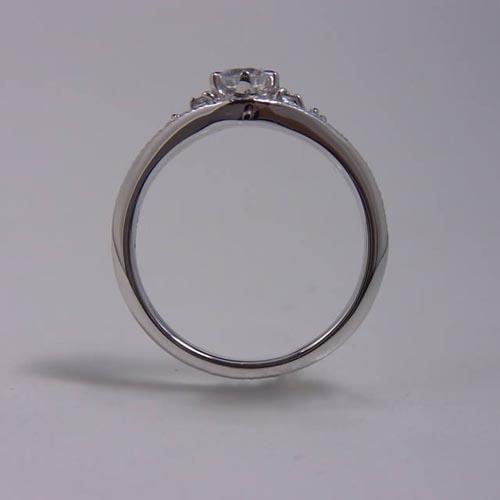 ケルヒ・エンゲージリング、婚約指輪 「Cynthia(シンシア)」の紹介。