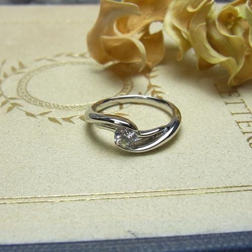 婚約指輪、エンゲージリング 「La Vague(ラ・ヴァーグ)」
