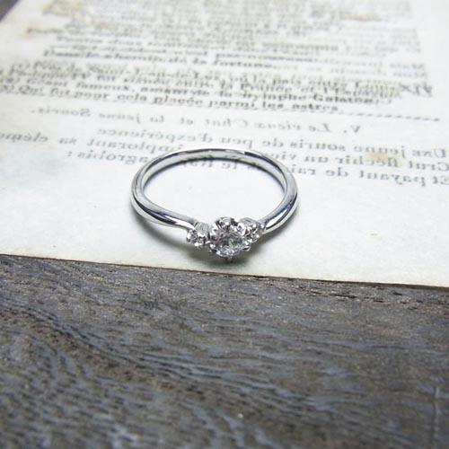 婚約指輪、エンゲージリング 「petit cerise(プチ・スリーズ)」
