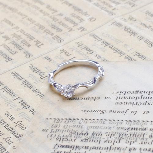 ケルヒ・エンゲージリング、婚約指輪 「brise(ブリーズ)」の紹介。