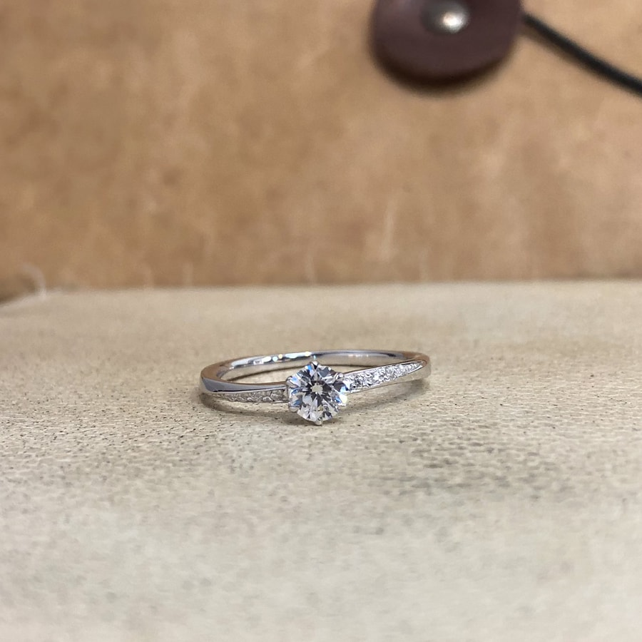 婚約指輪、エンゲージリング 「blanche(ブランシュ)」