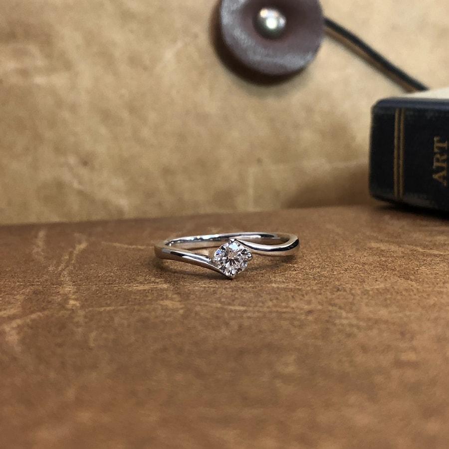 婚約指輪、エンゲージリング 「cheri(シェリ)」2