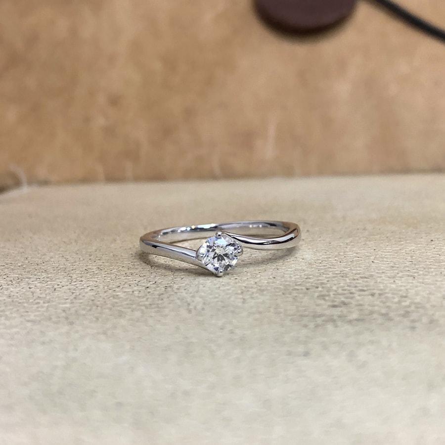 婚約指輪、エンゲージリング 「cheri(シェリ)」