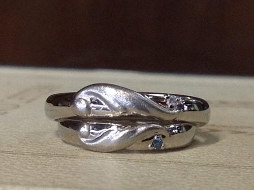 羽根モチーフのプラチナ結婚指輪オーダーメイド