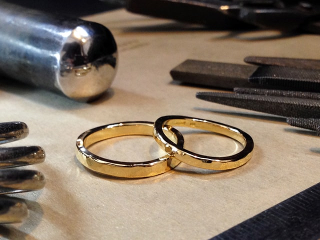 鍛造で作る結婚指輪