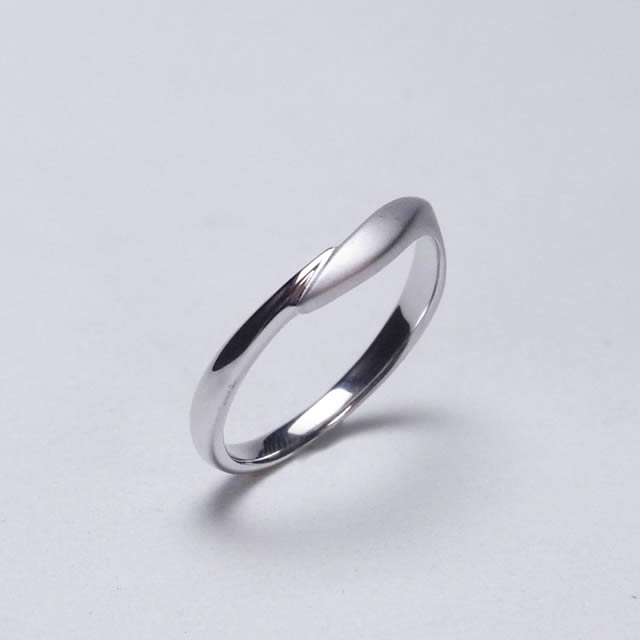 マリッジリング、結婚指輪 「Etreinte(エトラント)」