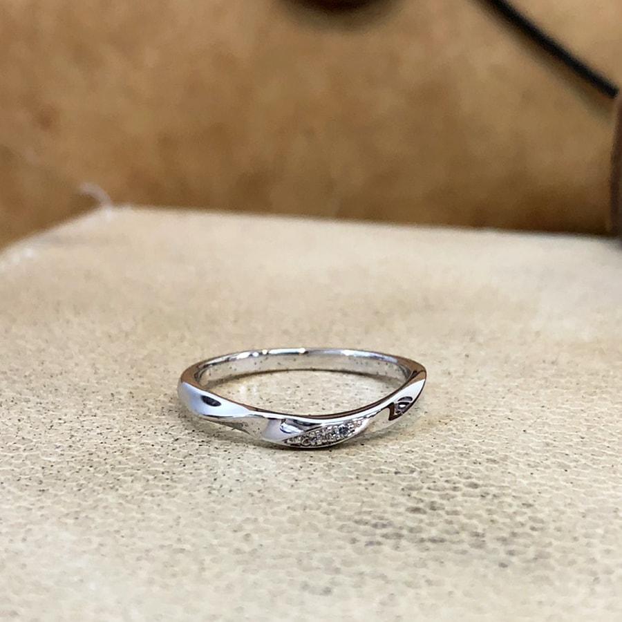 マリッジリング、結婚指輪 「bello(ベッロ)」女性用正面