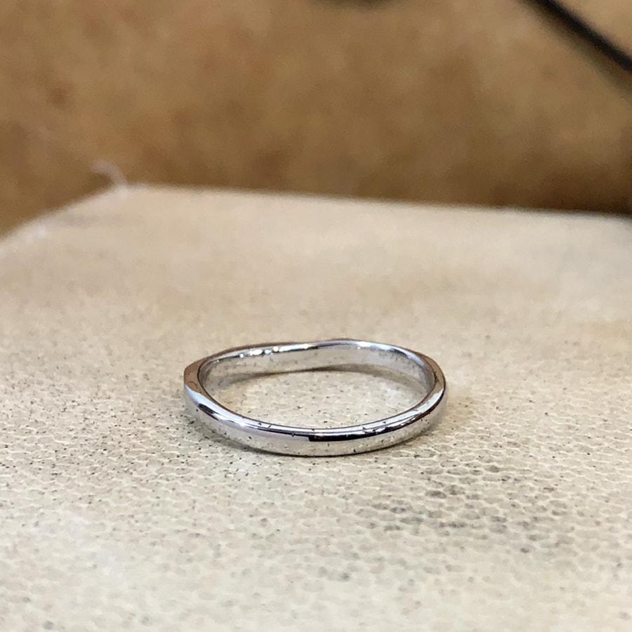 マリッジリング、結婚指輪 「bello(ベッロ)」女性用後ろ