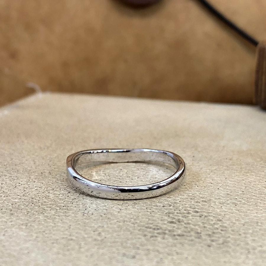マリッジリング、結婚指輪 「bello(ベッロ)」男性用後ろ
