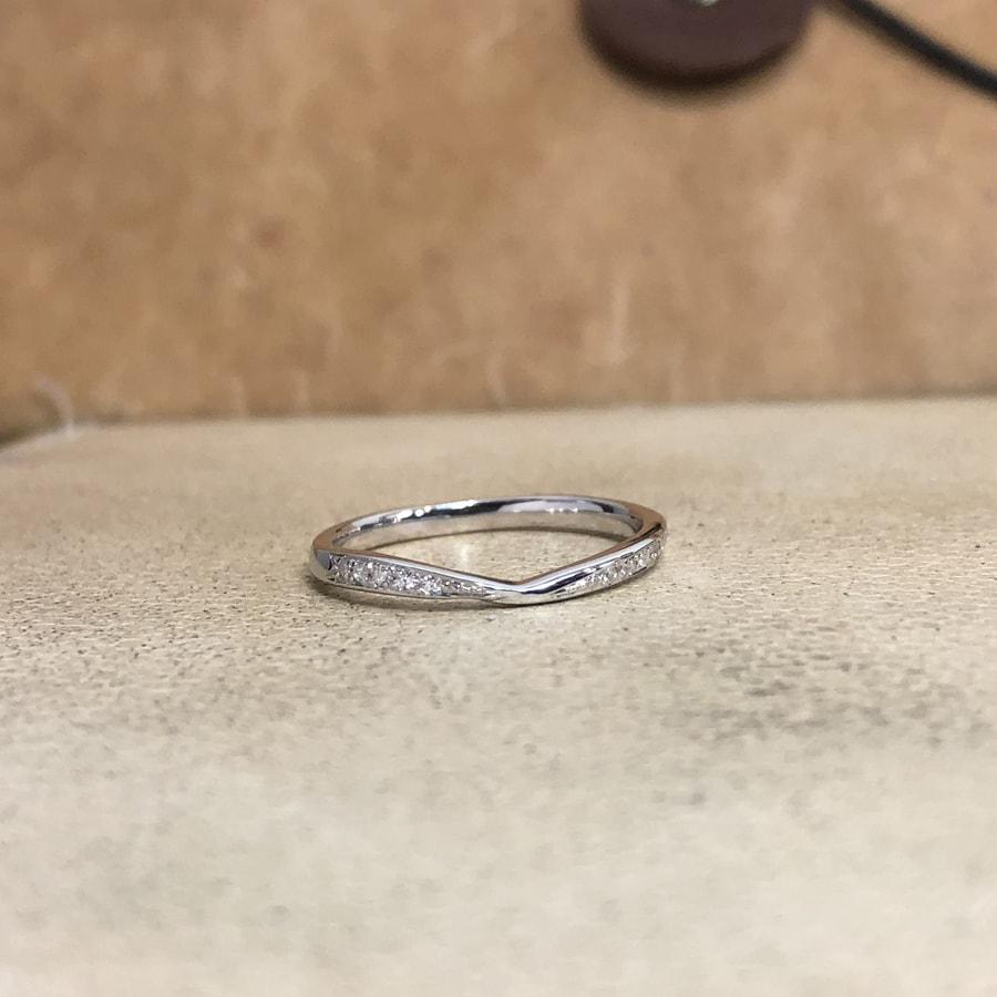マリッジリング、結婚指輪 「bisou(ビズー)」女性用正面