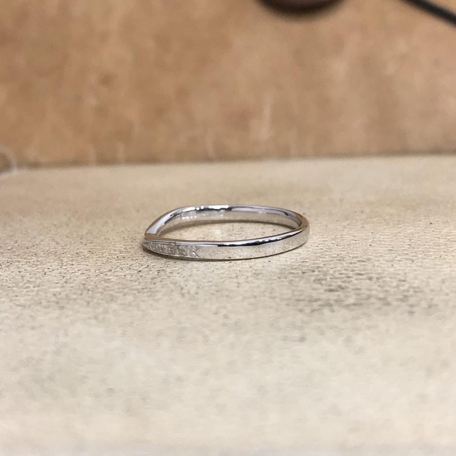 マリッジリング、結婚指輪 「bisou(ビズー)」女性用左側