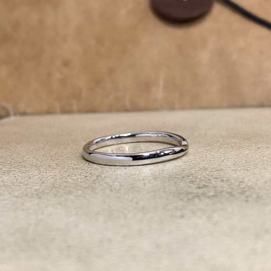 マリッジリング、結婚指輪 「bisou(ビズー)」男性用右側