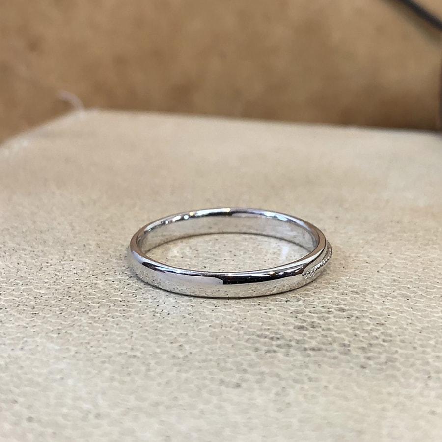 マリッジリング、結婚指輪 「chiaro(キアーロ)」男性用後ろ