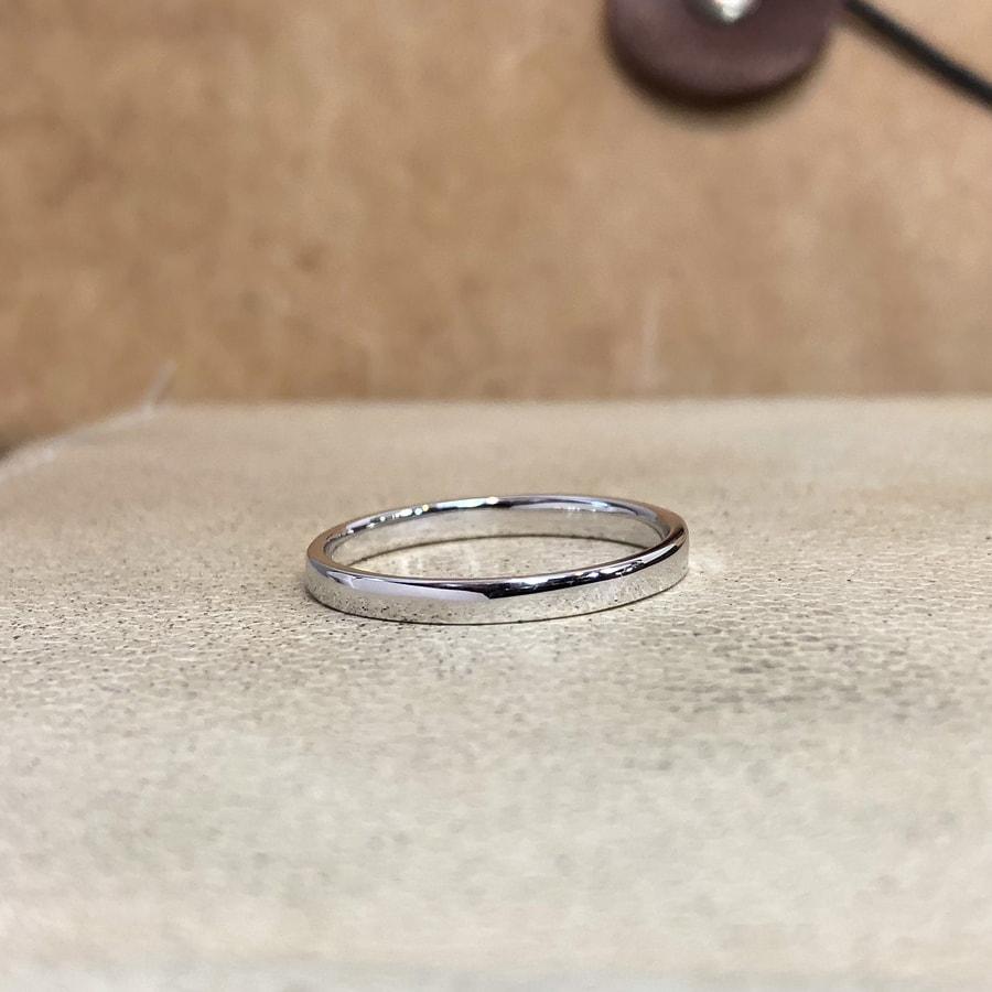 マリッジリング、結婚指輪 「chic(シック)」男性用後ろ
