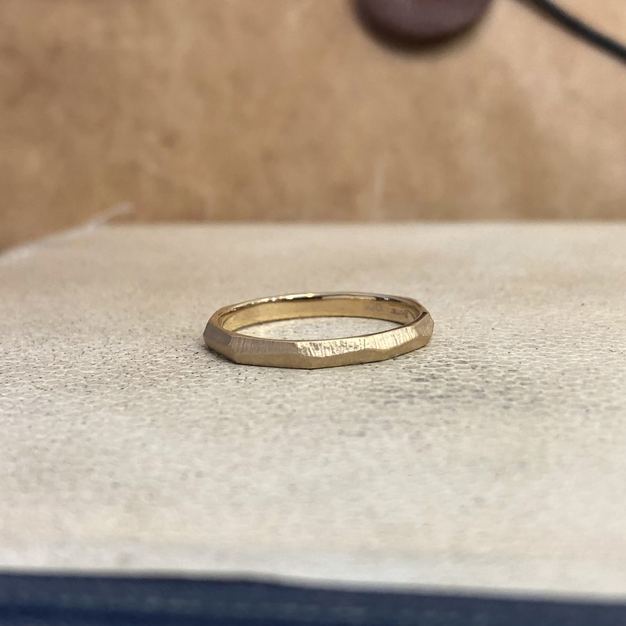 マリッジリング、結婚指輪 「dur(デュール)」女性用右側