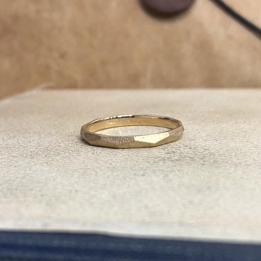 マリッジリング、結婚指輪 「dur(デュール)」男性用後ろ