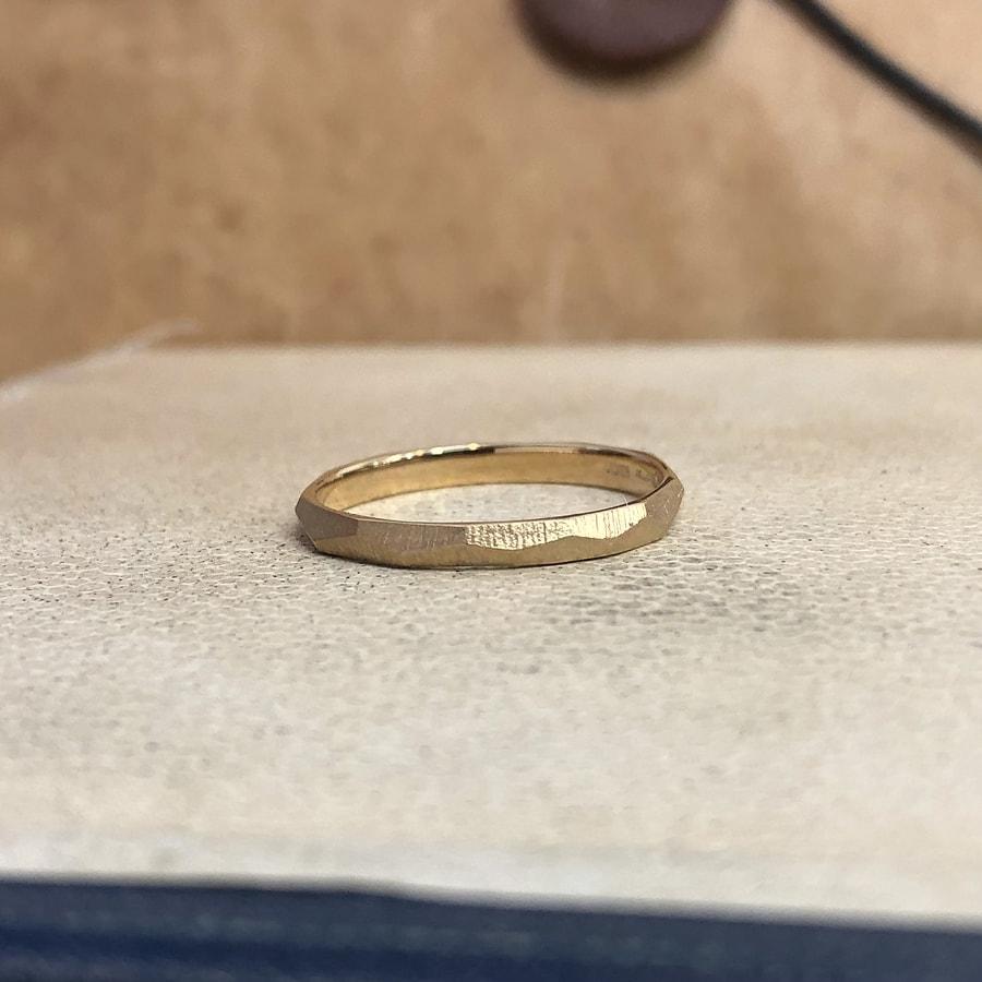 マリッジリング、結婚指輪 「dur(デュール)」男性用右側