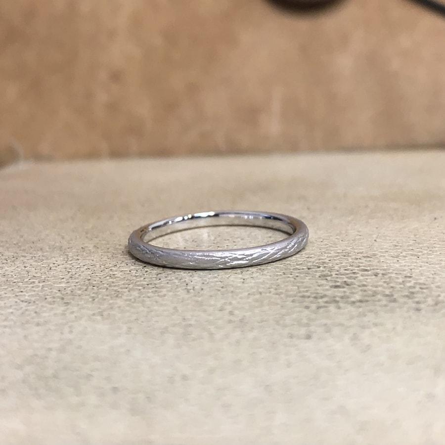 マリッジリング、結婚指輪 「folio(フォリオ)」女性用右側