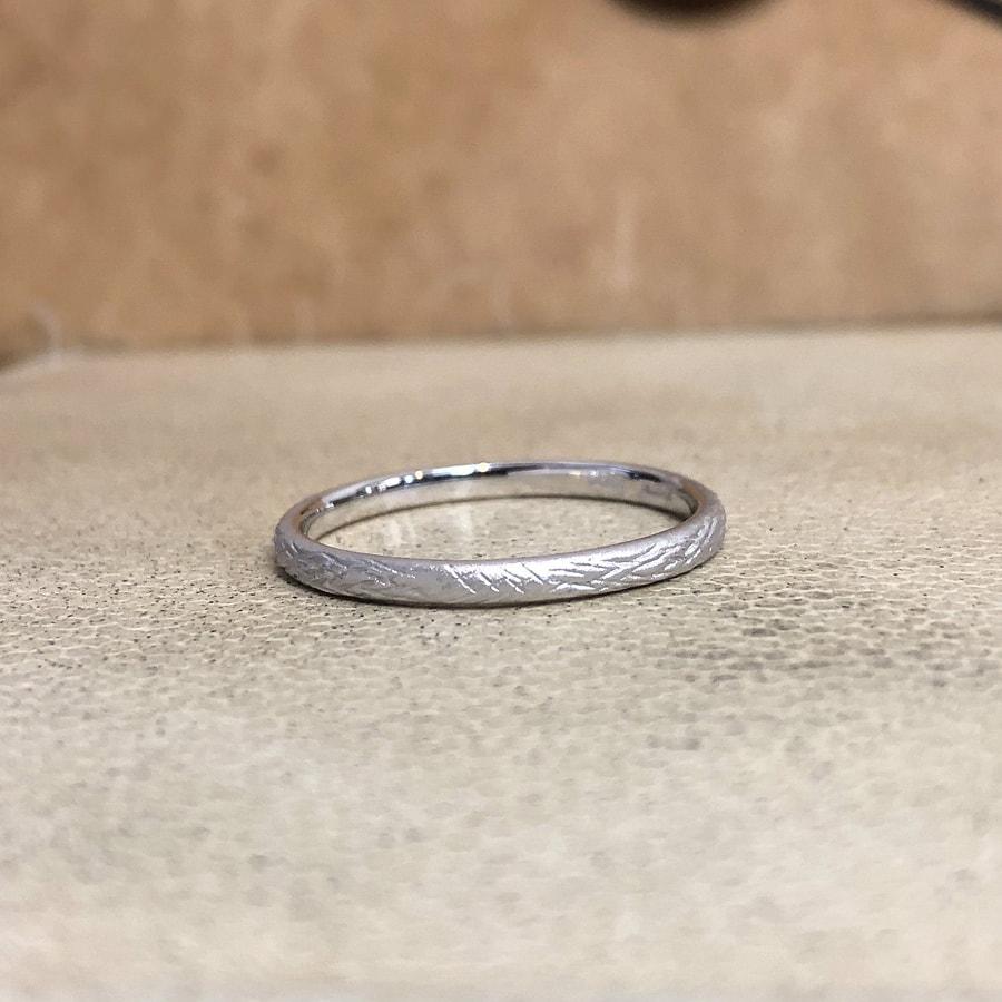 マリッジリング、結婚指輪 「folio(フォリオ)」男性用後ろ