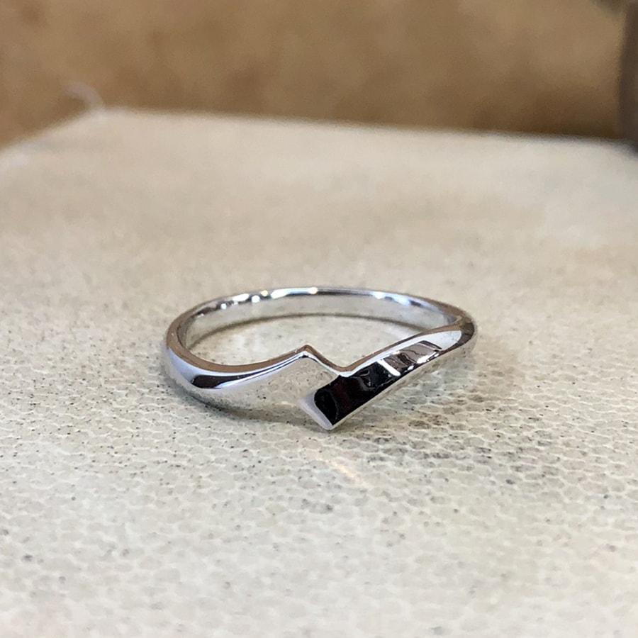 マリッジリング、結婚指輪 「luce(ルーチェ)」男性用正面