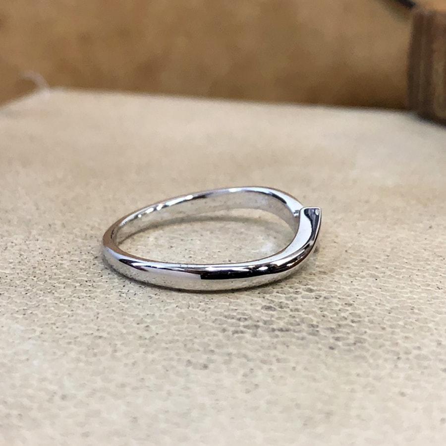 マリッジリング、結婚指輪 「luce(ルーチェ)」男性用右側