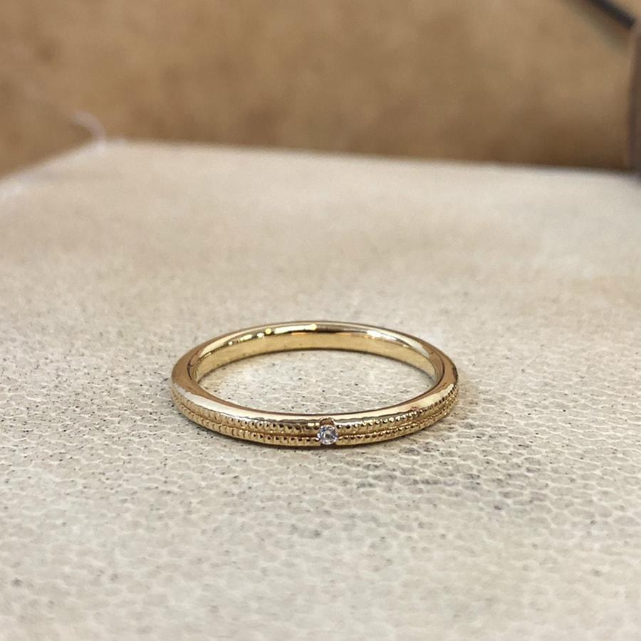 マリッジリング、結婚指輪 「onesto(オネスト)」女性用正面
