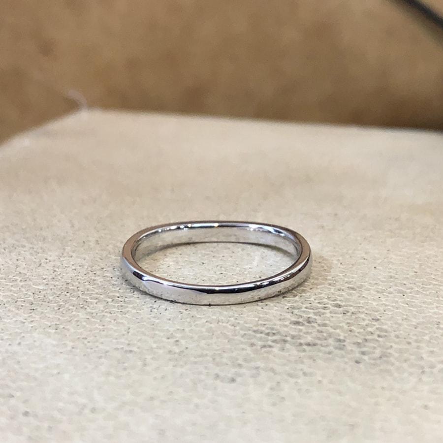 マリッジリング、結婚指輪 「puro(プーロ)」女性用後ろ