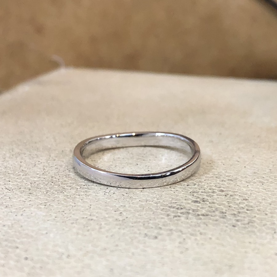 マリッジリング、結婚指輪 「puro(プーロ)」男性用後ろ