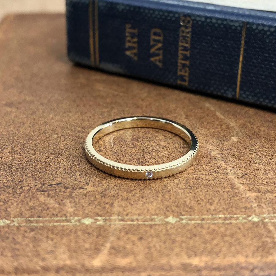 マリッジリング、結婚指輪 「rocher flat(ロシェ・フラット)」ミルグレイン 平打ち
