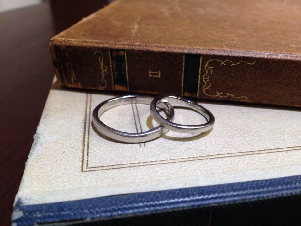 プラチナ艶消しウェーブの結婚指輪 | 結婚指輪手作り作品