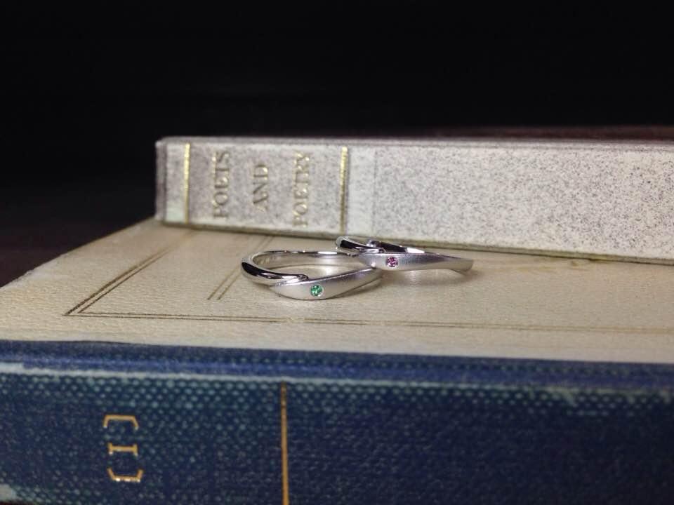結婚指輪手作り作品 「V字ライン、艶消し仕上げプラチナ結婚指輪」